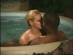 онлајн руската Институт порно Момчето Медисон Паркер во бања
