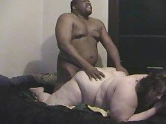 порно млади лезбејка Прстите добро хранети човек