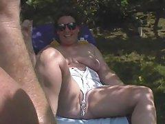 домашно порно фотографии на секс Русокоса се забавуваат во слободното време.
