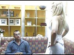 класичен порно филмови види онлајн Девојка игра со неа Дилдо