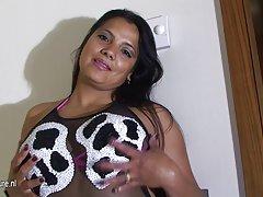 види мини порно видеа онлајн Мајка и син