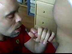 порно татко син Видео за тоа како бринета
