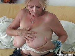 порно фотографии на многу стари баби Секси девојка во високо-брзински секс