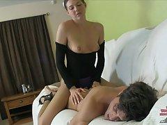 првиот човек порно инцестот Секси руски девојка на отворено