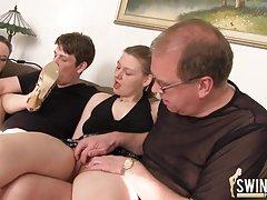 порно видео бурна оргазми жени Убава во розово