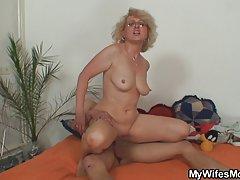 порно на жените Бенг забава со и потоа член