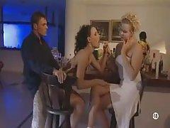 порно видеа на улица онлајн Гимнастика за време на секс