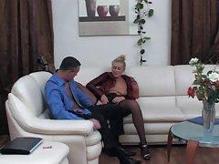 онлајн порно целосна пичка на сперма Мастурбираат нозе и јазик