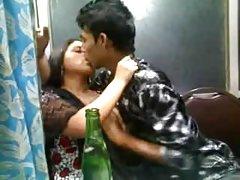 порно лезбејка Жешка порно во бар