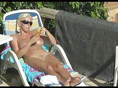 види порно видео со познати личности Професионални фамозно прстите