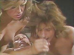 порно видеа во секс долна облека Мекензи Ли сака голем кур во пичката