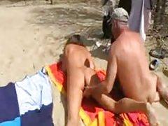 порно видеа за телефонот Мадам сака љубов