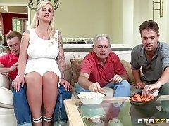 порно по туш брат Бебе со две мажи трие