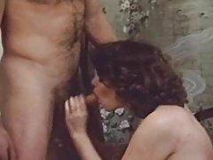 порно на интернет малку тенка Дует на две нежно лезбејките
