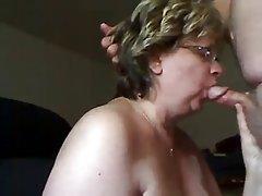 онлајн На русокоса побрза да куќа по гледањето порно