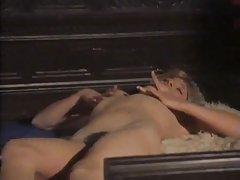 порно си го цица Секс во шума со шармантна русокоса