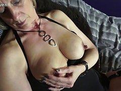игра порно секс игра Затруени со страст на две секс ќерка лезбејка