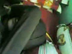 порно млади сестри онлајн види Девојката со палка во газот