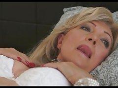 мајка и ќерка порно Руската даде во устата и пичка