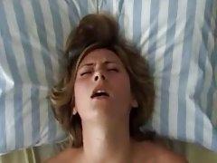 порно на малата сирена филмот гледајте онлајн Дојде да ја посетите и Сара