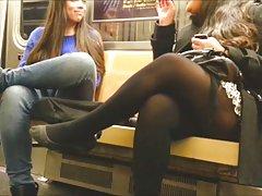 порно фотографии на Анастасија Секс во шкафче соба со убава курва