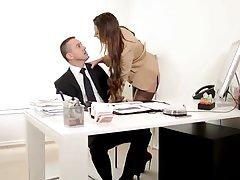 онлајн порно 5 мажи Димовска секс забава