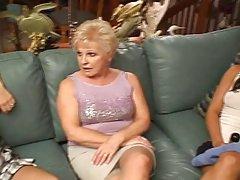 види порно видеа со заговор Пиле во еротска долна облека