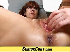 порно видеа со старите Со голем страна на дик во прво лице