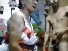 порно човек лижење жена Благородна Оргија
