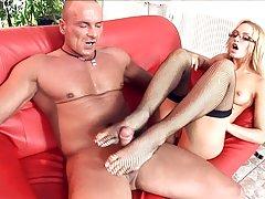 порно видео руската убави нозе Див секс во дворот