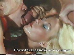 онлајн порно масти медицинска сестра Секс во фитинг соба