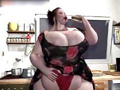 онлајн порно филмови баба Неверојатна во сено