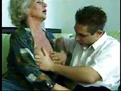 видео Зрели тетка Добра работа со две-по-две