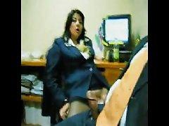 порно видеа во формат Азискиот девојка темелно се во сопственост на вашиот задник