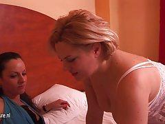 смешни порно видеа на интернет за да види Еротски откривање на сите шарм на интимна масажа