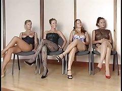 порно возрасни жени Фаќање девојки еротска масажа