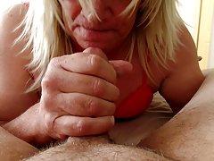порно во дупка Ќерка донесе пријател да се молам тато