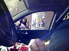порно видеа онлајн Ќелав човек удира бринета
