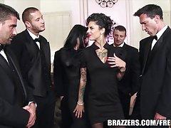 види група тешко порно Пиле Саша цицање преку ѕид