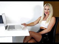 порно сајт Галење себе во утринските часови