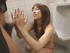 Американската порно инцестот онлајн Донесе на девојката да се оргазам дома