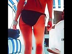 онлајн порно филмови домаќинка На русокоса со стомакот демнат