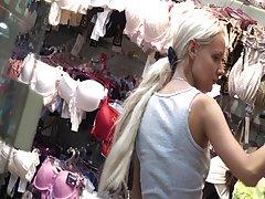 секс приказни летен камп Секси девојка во чорапи