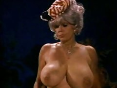 порно приказни Секси ѕвезда на порно прстите на подот