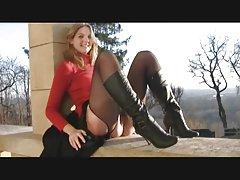 порно видео младите убавици Газ во Камшик за сјајна троседот