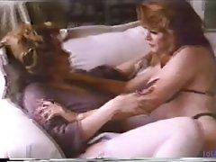 порно обичните руски девојка Гушкање пичка