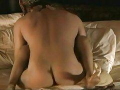 порно перверзија, женска доминација Црна и русокоса девојка
