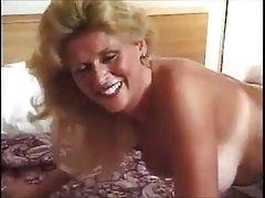 фотографиите на голи Ријана порно Терапевтот е задоволна со девојка-убавина